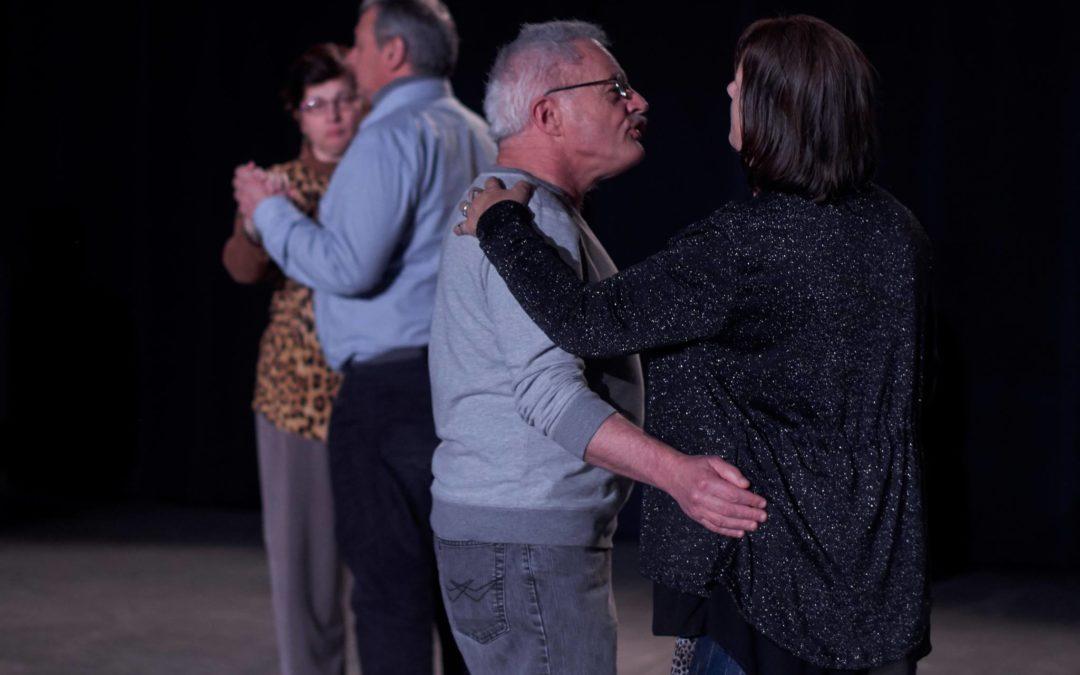 Les hommes et les femmes dans la ville Argentan